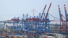 Angetriebenes Großleitungssystem für Highspeed Containerkrane - ship to shore