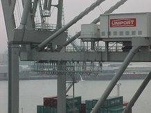 2 Containerkrane (ship to shore)
