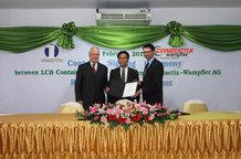 Vertragsunterzeichnung bei LCB 1