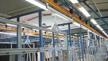 Transport von Montagewägen für Kabelbäume (automatisch)