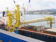 Motorkabeltrommel wird an Energieübertragungssystemen für einen Schiffsentlader verwendet